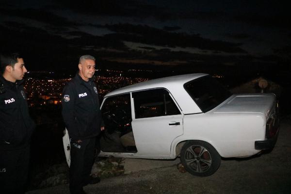 Antalya'da pes dedirten olay! Uçurumda asılı kalan araçta uyudu
