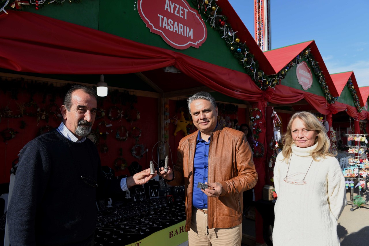 Başkan Uysal,Yeni Yıl Market'i ziyaret etti...