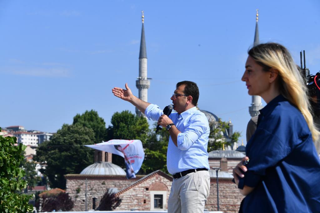 İmamoğlu son mitingini Üsküdar'da yaptı:  Bu kardeşiniz yarın yine hak yedirmeyecek...!