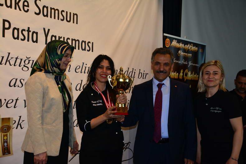 ULUSLARARASI PASTA ŞEFLERİ, HÜNERLERİNİ SAMSUN'DA SERGİLEDİLER...