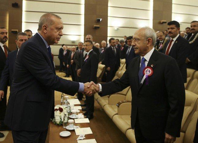 Erdoğan ile Kılıçdaroğlu AYM'nin kuruluş töreninde tokalaştı...