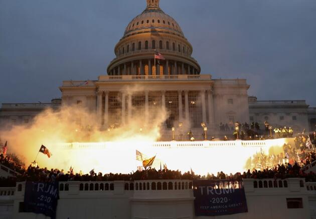 ABD Kongresi 200 yıl sonra ilk kez saldırıya uğradı...