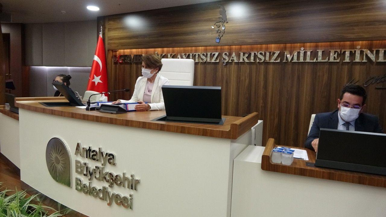 Antalya Büyükşehir Meclisinden aşı çağrısı...