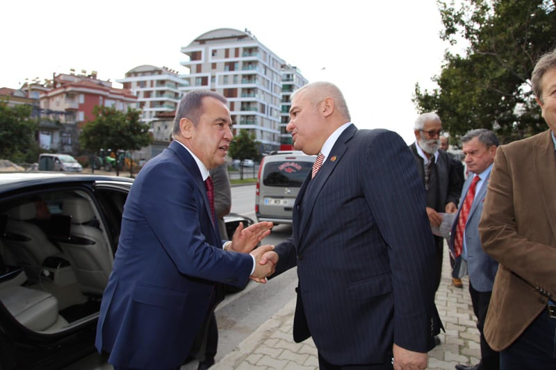 MUHİTTİN BÖCEK'TEN ŞAHİN'E TAZİYE ZİYARETİ...