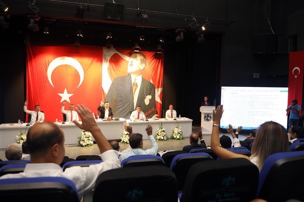 ALANYA BELEDİYE MECLİSİ 3 AY ARADAN SONRA TOPLANDI,BİR ÇOK KARARA İMZA ATILDI...