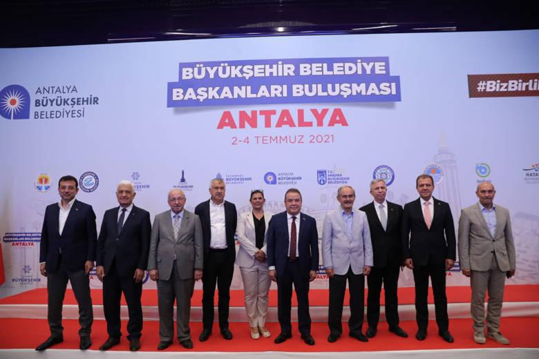 Cumhuriyet Halk Partili Belediye Başkanları Antalya'da buluştu...