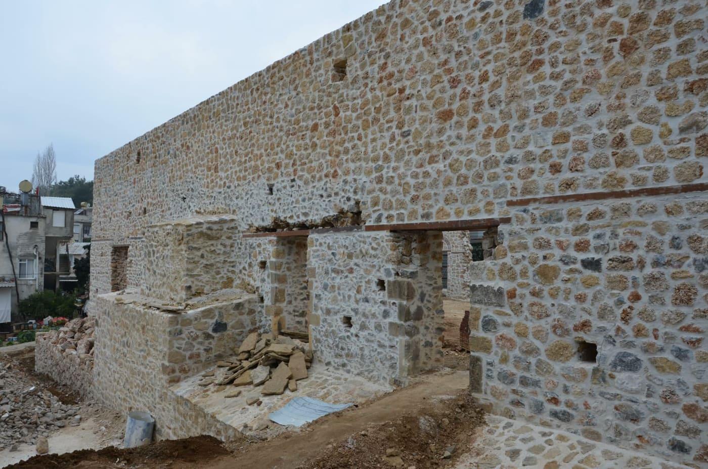 Alanya Gülevşen Camii'nin  ana duvarları tamamlandı...