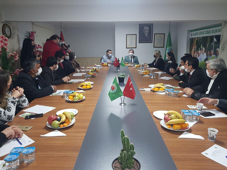 Antalya Büyükşehir'in tarıma desteği sürüyor...