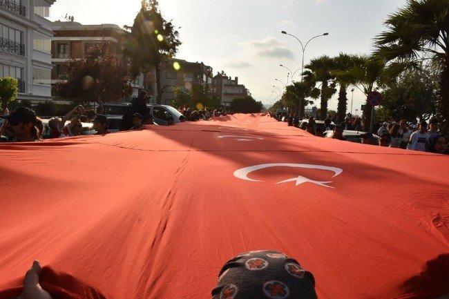Samsun'da '1919' metrelik rekor bayrak yürüyüşü...