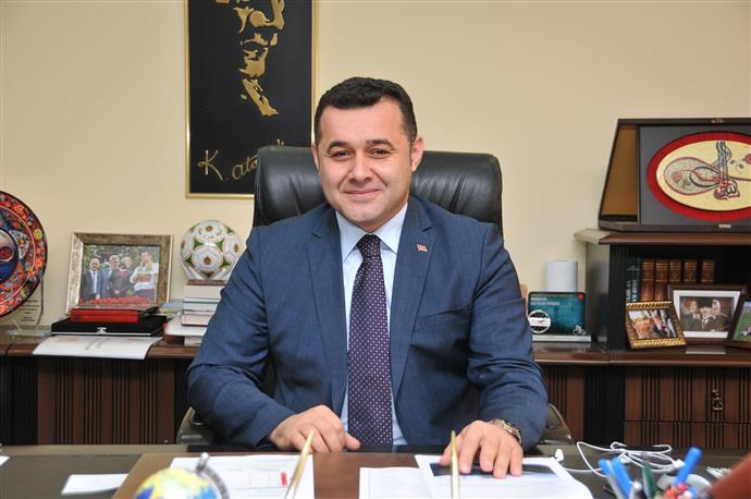 BAŞKAN YÜCEL İSLAM ALEMİNİN MEVLİD KANDİLİ'Nİ TEBRİK ETTİ...