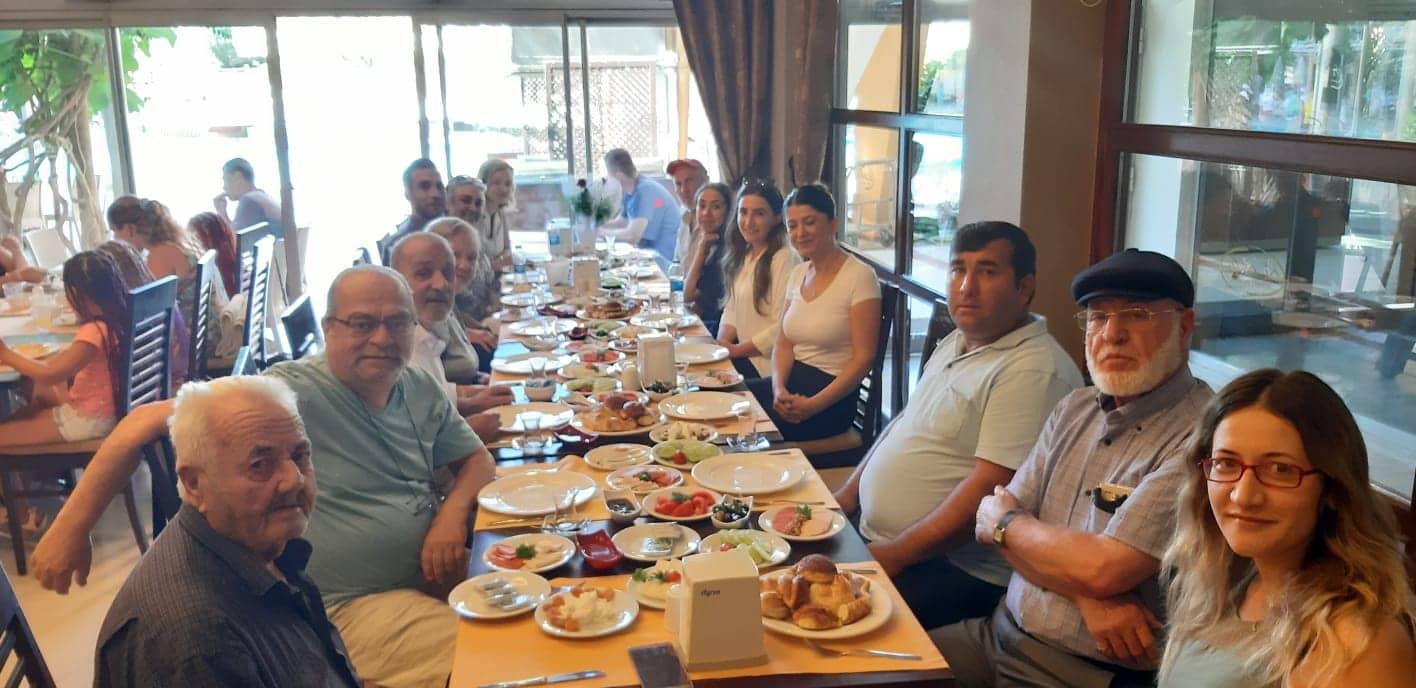 Alanya Huzurevi sakinlerinin oluşturduğu bocce takımı grubunu lider olarak tamamladı ve Türkiye Finalleri'ne katılmaya hak kazandı...