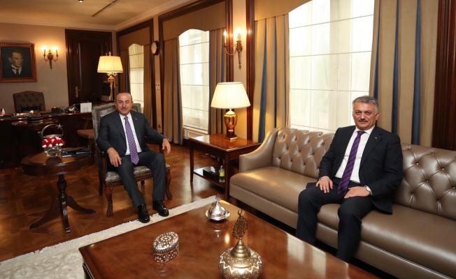 Antalya'nın yeni valisinin ilk durağı Bakan Çavuşoğlu oldu...