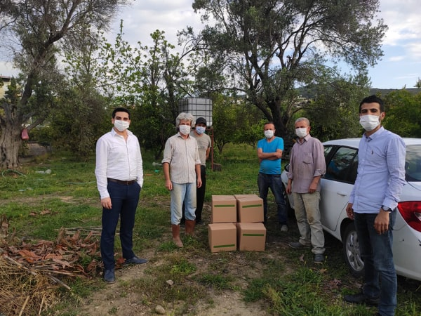 Büyükşehirin gıda kolisi dağıtımına CHP Alanya İlçe Başkanlığından destek...