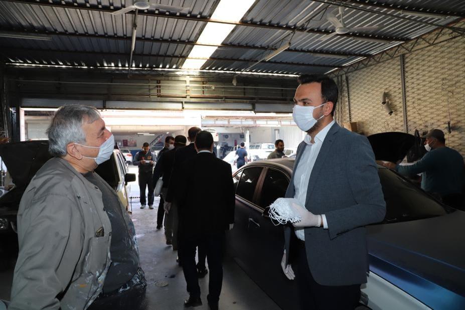 Başkan Toklu sanayide maske dağıttı...