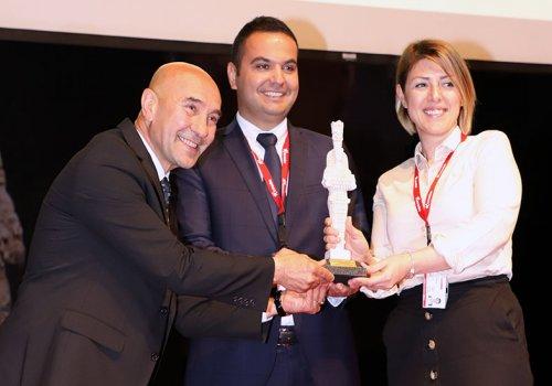 Corendon İzmir Turizm Ödülleri'nde Yılın Tur Operatörü Seçildi...