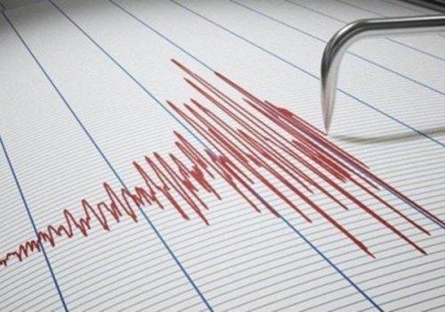 İzmir açıklarında 4,3 büyüklüğünde deprem...