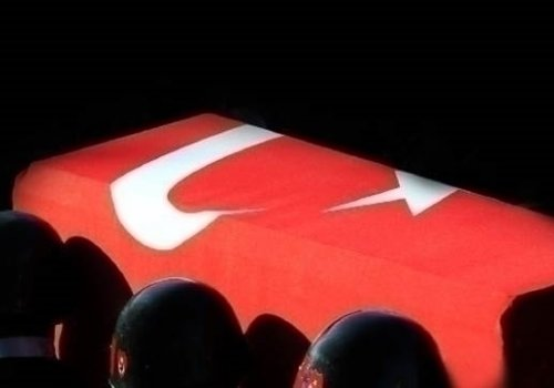 Diyarbakır'da teröristlerle çatışma çıktı: 1 şehit, 2 yaralı...