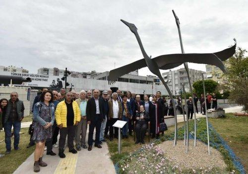 Turnalar heykeli Türkan Şoray Kültür Merkezi bahçesinde...