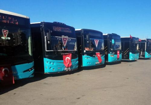 Büyükşehir Belediyesi toplu ulaşım araçlarına Türk Bayrakları astı...