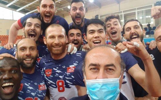 Alanya Belediyesi Voleybol Takımı ligin en iyisi seçildi...