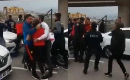 Göztepe'de futbolcular ve taraftar birbirlerine girdi | Video