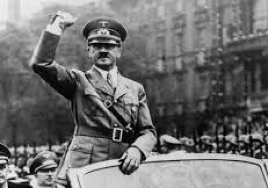 Гитлер бежал в Аргентину без челюсти? Российский историк ответил ФБР