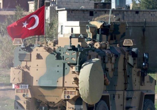 Турция заявила о трёх погибших при атаке на военный конвой в Сирии...