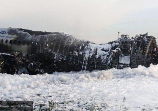 На борту горящего самолета в Шереметьево «были давка и драка»